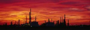 Oil Refinery, Bakersfield, California, USA