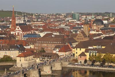 https://imgc.allpostersimages.com/img/posters/old-bridge-of-the-main-river-augustinerkirche-church-grafeneckart-tower_u-L-PWFSUG0.jpg?artPerspective=n