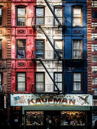 https://imgc.allpostersimages.com/img/posters/old-building-facade-in-the-colors-of-the-american-flag-in-times-square-manhattan-nyc_u-L-PZ55R40.jpg?p=0