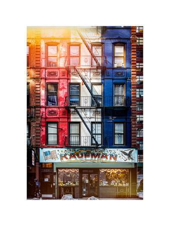 https://imgc.allpostersimages.com/img/posters/old-building-facade-in-the-colors-of-the-american-flag-in-times-square-manhattan-nyc_u-L-PZ58JJ0.jpg?artPerspective=n