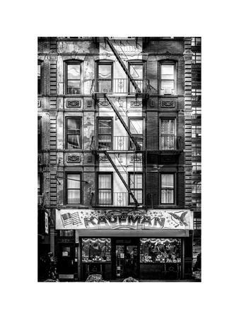 https://imgc.allpostersimages.com/img/posters/old-building-facade-in-the-colors-of-the-american-flag-in-times-square-manhattan-nyc_u-L-PZ58LI0.jpg?p=0