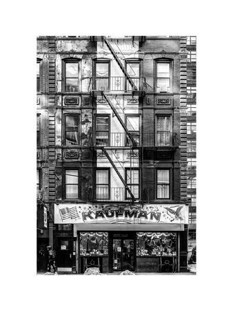 https://imgc.allpostersimages.com/img/posters/old-building-facade-in-the-colors-of-the-american-flag-in-times-square-manhattan-nyc_u-L-PZ58PJ0.jpg?p=0