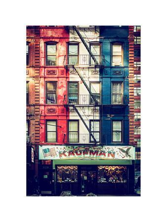 https://imgc.allpostersimages.com/img/posters/old-building-facade-in-the-colors-of-the-american-flag-in-times-square-manhattan-nyc_u-L-PZ599G0.jpg?p=0