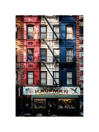 https://imgc.allpostersimages.com/img/posters/old-building-facade-in-the-colors-of-the-american-flag-in-times-square-manhattan-nyc_u-L-PZ59AB0.jpg?p=0