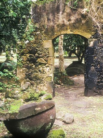 https://imgc.allpostersimages.com/img/posters/old-french-sugar-mill-anse-chastanet-resort-souffriere-st-lucia-caribbean_u-L-P245RJ0.jpg?p=0