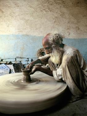 Old Man Working on a Potter's Wheel, Thatta, Pakistan