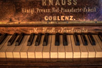 https://imgc.allpostersimages.com/img/posters/old-piano_u-L-PZ0ULT0.jpg?p=0