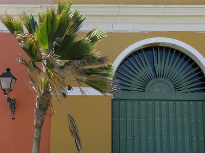 https://imgc.allpostersimages.com/img/posters/old-san-juan-facade-san-juan-puerto-rico-usa-caribbean_u-L-PHAP3O0.jpg?p=0