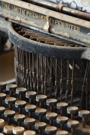 https://imgc.allpostersimages.com/img/posters/old-typewriter-bodie-state-historic-park-california-usa_u-L-PN71HI0.jpg?p=0
