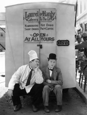 Oliver Hardy, Stan Laurel, Pack Up Your Troubles, 1932