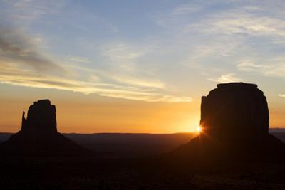 Monument Valley at Dawn, Utah, United States of America, North America