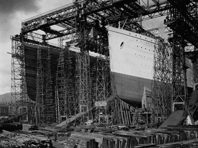 Olympic and Titanic Being Built