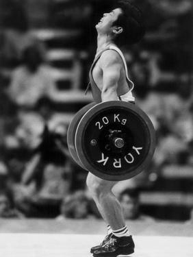 Olympic Games in Los Angeles, 1984 : Weightlifting: Chinese Wu Shude July 30, 1984