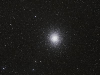 https://imgc.allpostersimages.com/img/posters/omega-centauri-globular-star-cluster_u-L-PC2KF90.jpg?artPerspective=n