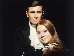 ON HER MAJESTY'S SECRET SERVICE, 1969 directed by PETER HUNT George Lazenby / Diana Rigg (photo)