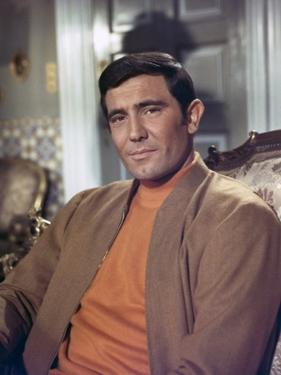 ON HER MAJESTY'S SECRET SERVICE, 1969 directed by PETER HUNT George Lazenby (photo)