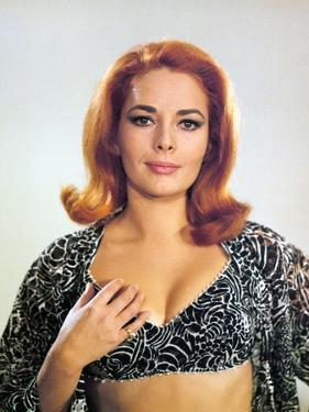 On ne vit que Deux Fois YOU ONLY LIVE TWICE by LewisGilbert with Karin Dor, 1967 (photo)