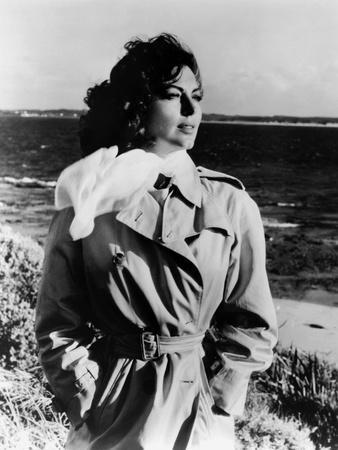 https://imgc.allpostersimages.com/img/posters/on-the-beach-1959-directed-by-stanley-kramer-ava-gardner-b-w-photo_u-L-Q1C1CIJ0.jpg?artPerspective=n