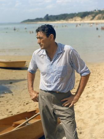 https://imgc.allpostersimages.com/img/posters/on-the-beach-1959-directed-by-stanley-kramer-gregory-peck-photo_u-L-Q1C1A4G0.jpg?artPerspective=n