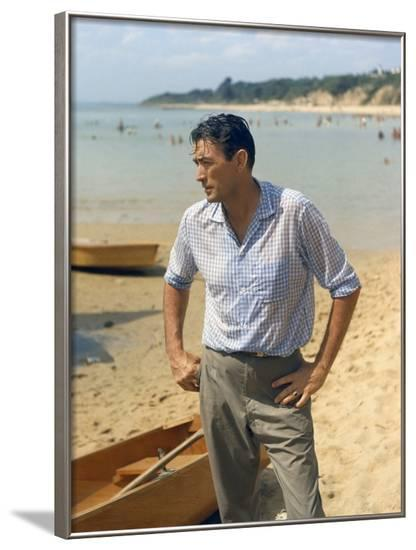 ON THE BEACH, 1959 directed by STANLEY KRAMER Gregory Peck (photo)--Framed Photo