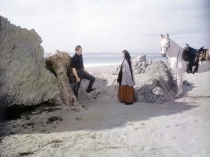 ONE-EYED JACKS, 1961 directed by MARLON BRANDO Marlon Brando and Pina Pellicer (photo)