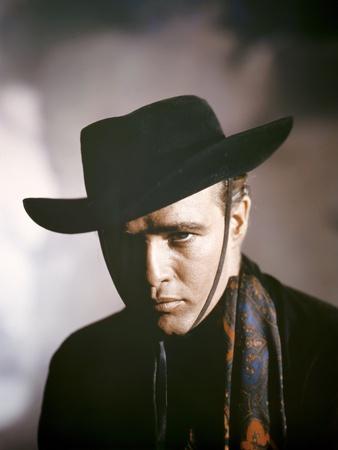 https://imgc.allpostersimages.com/img/posters/one-eyed-jacks-1961-directed-by-marlon-brando-marlon-brando-photo_u-L-Q1C19PW0.jpg?artPerspective=n