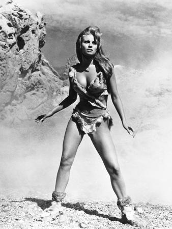 https://imgc.allpostersimages.com/img/posters/one-million-years-b-c-raquel-welch-1966_u-L-Q12PAOA0.jpg?p=0