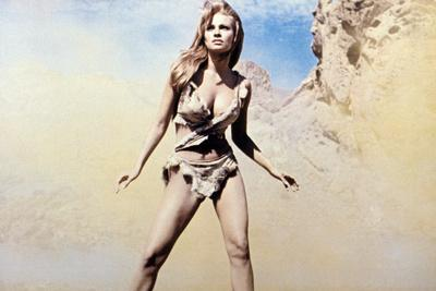 https://imgc.allpostersimages.com/img/posters/one-million-years-bc-raquel-welch-1966_u-L-Q1BUBJ60.jpg?artPerspective=n