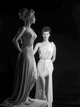 https://imgc.allpostersimages.com/img/posters/one-touch-of-venus-1948-directed-by-william-a-seiter-ava-gardner-b-w-photo_u-L-Q1C15X50.jpg?artPerspective=n