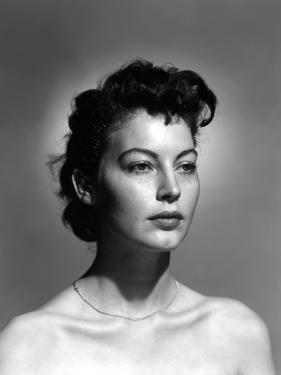 ONE TOUCH OF VENUS, 1948 directed by WILLIAM A. SEITER Ava Gardner (b/w photo)