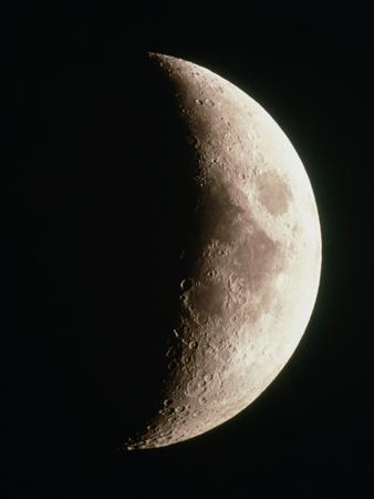 https://imgc.allpostersimages.com/img/posters/optical-image-of-a-waxing-crescent-moon_u-L-PZJNNC0.jpg?artPerspective=n