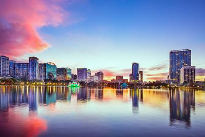 https://imgc.allpostersimages.com/img/posters/orlando-florida-usa-downtown-city-skyline-on-eola-lake_u-L-Q105K5K0.jpg?p=0