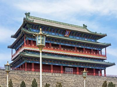 https://imgc.allpostersimages.com/img/posters/ornate-traditional-chinese-zhengyangmen-gate-near-tiananmen-square-in-central-beijing-china-asia_u-L-PWFLYO0.jpg?artPerspective=n