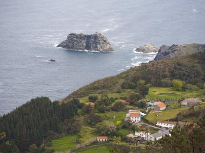 https://imgc.allpostersimages.com/img/posters/ortiguera-area-a-coruna-galicia-spain-europe_u-L-PFO2Y90.jpg?p=0