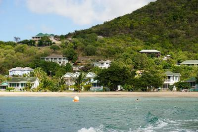 https://imgc.allpostersimages.com/img/posters/oualie-beach-hotel-nevis-st-kitts-and-nevis_u-L-PWFLTQ0.jpg?p=0