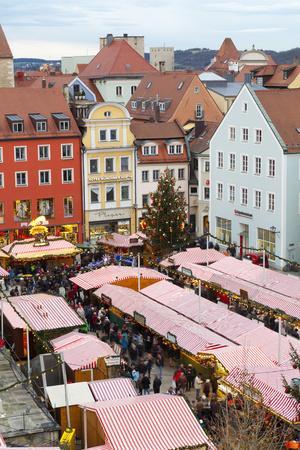 https://imgc.allpostersimages.com/img/posters/overview-of-the-christmas-market-in-neupfarrplatz-regensburg-bavaria-germany-europe_u-L-PWFH7P0.jpg?p=0
