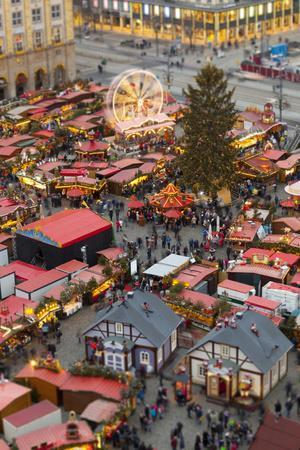 https://imgc.allpostersimages.com/img/posters/overview-of-the-dresden-strietzelmarkt-christmas-market-dresden-saxony-germany-europe_u-L-PWFEH70.jpg?p=0