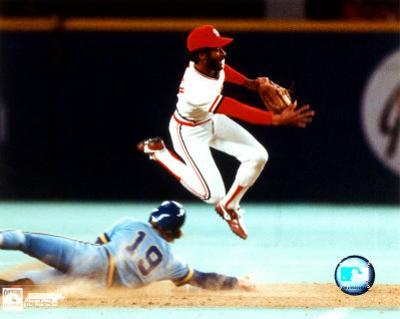 Ozzie Smith - Turning double play