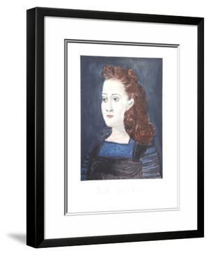 Femme a la Collerette Bleue by Pablo Picasso