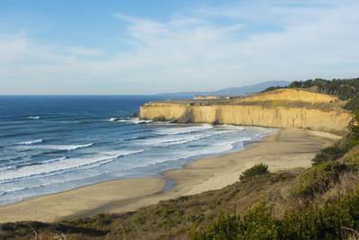 https://imgc.allpostersimages.com/img/posters/pacific-coast-highway-1-california-below-pebble-beach-carmel-cliffs-and-waves_u-L-Q1D03390.jpg?p=0