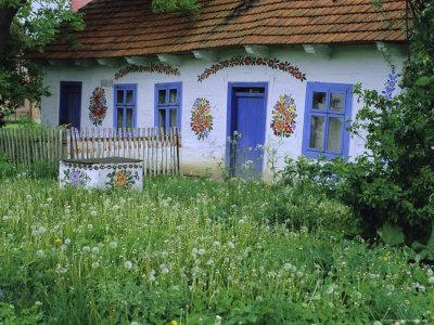 https://imgc.allpostersimages.com/img/posters/painted-house-zalipie-little-poland-poland_u-L-P2KA9L0.jpg?artPerspective=n