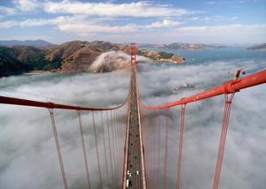 Painter on the Golden Gate Bridge, San Francisco