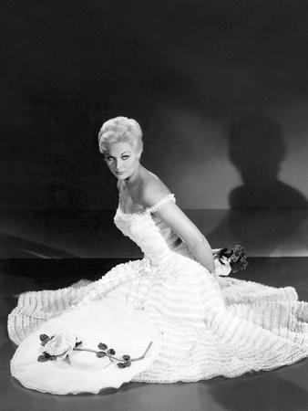https://imgc.allpostersimages.com/img/posters/pal-joey-1957-directed-by-george-sidney-kim-novak-b-w-photo_u-L-Q1C1GSE0.jpg?artPerspective=n