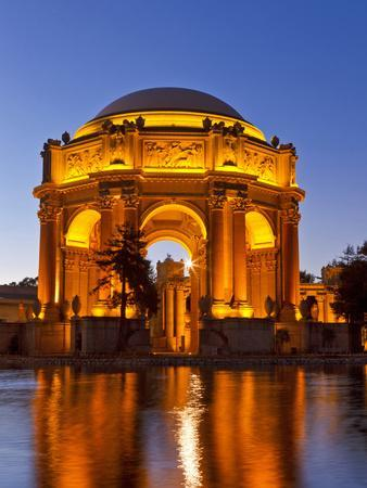 https://imgc.allpostersimages.com/img/posters/palace-of-fine-arts-at-dusk-in-san-francisco-california-usa_u-L-PXQ8W80.jpg?artPerspective=n
