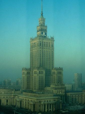 https://imgc.allpostersimages.com/img/posters/palace-of-science-and-culture-in-haze-warsaw-poland_u-L-P3SFKH0.jpg?p=0