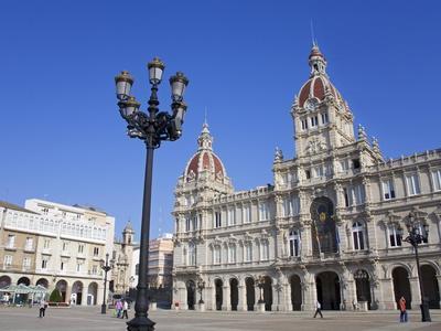 https://imgc.allpostersimages.com/img/posters/palacio-municipal-town-hall-on-plaza-de-maria-pita-la-coruna-city-galicia-spain-europe_u-L-PFNEGO0.jpg?p=0