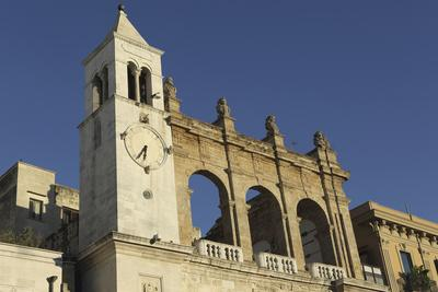 https://imgc.allpostersimages.com/img/posters/palazzo-del-sedile-dei-nobili-clock-tower_u-L-PWFD5I0.jpg?p=0
