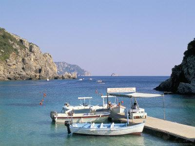https://imgc.allpostersimages.com/img/posters/paleokastritsa-corfu-greek-islands-greece-mediterranean_u-L-P1JNWH0.jpg?artPerspective=n