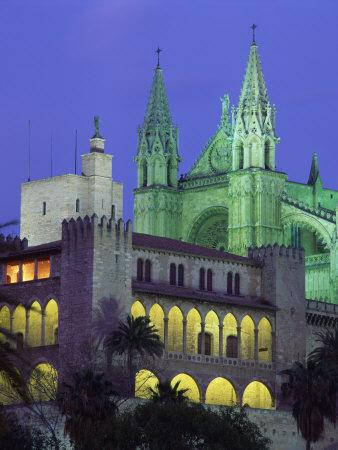 https://imgc.allpostersimages.com/img/posters/palma-bay-cathedral-illuminated-at-night-on-majorca-balearic-islands-spain-europe_u-L-P7XJRG0.jpg?p=0