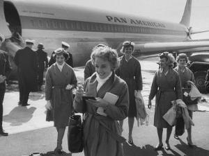 Pan Am Stewardesses in Frankfurt after Emergency Landing